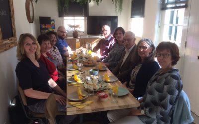De Familieraad Neemt Een Kijkje In De Inloop In Middelburg