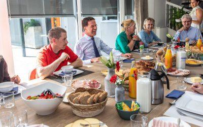 Minister-president Mark Rutte Brengt Een Bezoek Aan Zeeuwse Gronden